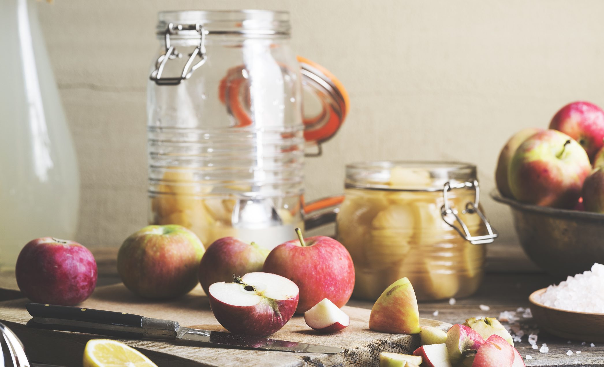 is apple cider vinegar harming your teeth?